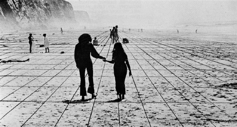 Superstudio, Gli Atti Fondamentali, Vita (Supersuperficie), Viaggio da A a B, 1971 © Superstudio. Photo : Cristiano Toraldo di Francia