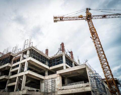 Overheid knoeit met grote bouwprojecten: